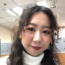 我是Sylvia,高雄辦公室的遊學顧問!<br /> 從小就對學習語言非常有興趣,也很感謝父母的栽培讓我可以開心學英文!<br /> 在學生時期我曾經去過澳洲和菲律賓遊學,一邊讀書一邊體驗與台灣截然不同的文化,<br /> 過程中不只增廣見聞,還大大地提升了英文的實力,更獲得了與眾不同的人生經驗~!<br /> 歡迎所有希望可以一邊學英文一邊看世界的親朋好友來找我聊聊天,<br /> 讓我為你們提供相關資訊以及經驗分享唷!
